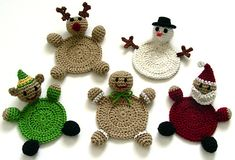 Crochet Christmas Coasters- no pattern- what a cute idea though! Crochet Round, Crochet Home, Crochet Crafts, Yarn Crafts, Crochet Projects, Knit Crochet, Crochet Ideas, Diy Crafts, Crochet Santa