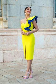 Aroa Lima Simple Dresses, Elegant Dresses, Pretty Dresses, Beautiful Dresses, Casual Dresses, Short Dresses, Classy Dress, Classy Outfits, Chic Outfits