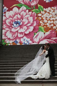 wedding photographer Angela Hubbard Photography Vancouver Yaletown Vancouver Art Gallery http://www.hubbardphotography.com