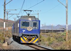 Net Photo: 14001 Transnet Freight Rail Electric at Western Cape, South Africa by Fanie Kleynhans South African Railways, Electric Train, Diesel Locomotive, Landscape Photography, Around The Worlds, Country, Vehicles, Places, Travel