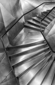 Inside the Main Hall at Caixaforum, Madrid | Herzog  | Foto: Amador Funes