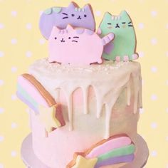 The amazing always blows me away with their baking. like this adorable Pusheen cake I could look at it all day. Pretty Cakes, Cute Cakes, Beautiful Cakes, Amazing Cakes, Pusheen Cakes, Pusheen Birthday, Gateaux Cake, Drip Cakes, Cupcake Cookies