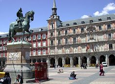 Madrid, España.  La Plaza Mayor.  Check.
