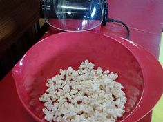 Changes assembly: God can help us! Using popcorn to illustrate how the Holy Spirit can change us. Bible Study For Kids, Bible Lessons For Kids, Church Activities, Bible Activities, Holy Spirit Lesson, Catholic Catechism, Bible Object Lessons, Bible Story Crafts, Saint Esprit