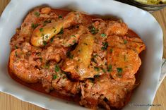 Papricas de pui reteta traditionala ungureasca - cu galuste si smantana. O tocanita de pui cu boia, smantana si ceapa. Csirkepaprikás sau paprikáscsirke ....