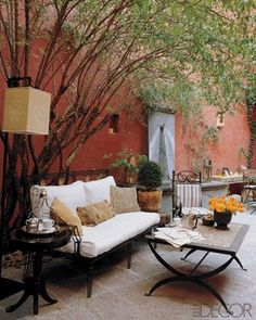 http://livinglivelier.blogspot.com/2011/03/7-tips-to-creating-outstanding-outdoor.html