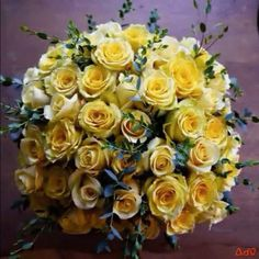 Yellow Wedding Flowers, Yellow Roses, Good Morning Flowers Gif, Creative Decor, Rose Bouquet, Beautiful Roses, Wedding Accessories, Wedding Bouquets, Favorite Color