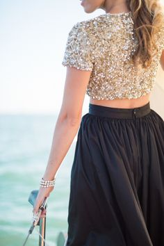 Full midi skirt? Sequined crop? All in #blackandgold ? Now that's what I call a Hornet style WIN!
