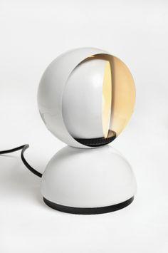 Eclisse, lampada da tavolo, Vico Magistretti, Artemide S.p.A.