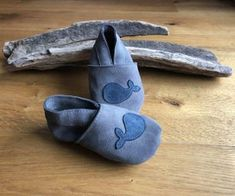 Toddlers Shoes With Anti-slip Sole : 9 Steps (with Pictures) - Instructables Folded Book Art, Book Folding, T Shirt Bracelet, Silicone Baking Sheet, Tshirt Knot, Wire Crochet, Shoe Pattern, Leather Slippers, How To Make Tshirts
