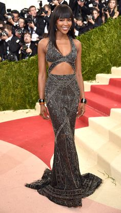 Met Gala 2016: Every Gorgeous Look on the Manus x Machina Red Carpet | People - Naomi Campbell in Roberto Cavalli