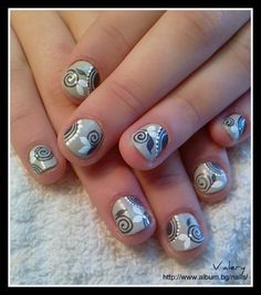 Floral design by valera from Nail Art Gallery