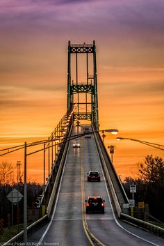 1000 Island Bridge Sun-up, USA and Canada,i'd love to be the one taking this picture. Wonderful Places, Beautiful Places, Alexandria Bay, Saint Lawrence River, Voyager Loin, Fotografia Macro, Thousand Islands, Destinations, Rock Island