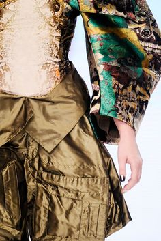 Alexander McQueen   Spring 2010 Ready-to-Wear Collection   Style.com