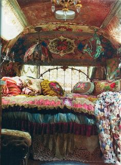 beautiful hippie living places and hippie lifestyle