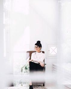 Light Photography, Photography Tips, Portrait Photography, Photographer Branding, Intimate Weddings, Fashion Branding, Personal Branding, Wedding Portraits, Branding Design