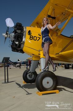 Collection of Aviation Pin Up and Nose Art copyrights belong to their respective owners. Mode Pin Up, Pin Up Pictures, Pin Up Girl Vintage, Air Festival, Airplane Art, Pin Up Models, Pin Up Photography, Vintage Airplanes, Nose Art