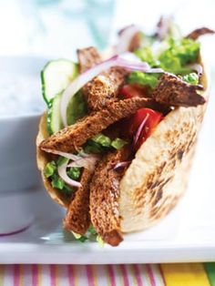 This tasty pita bread recipe features our juicy Quorn Meat FreeLamb Grills. The perfect light bite. Quorn Recipes, Veggie Recipes, Gourmet Recipes, Soup Recipes, Diet Recipes, Vegetarian Recipes, Quorn Foods, Gym Food, Vegan Burgers
