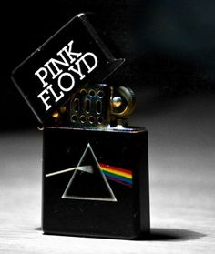 pink floyd is the band who created music . roger waters is pink floyd Pink Floyd Art, Cool Lighters, Light My Fire, Zippo Lighter, Cool Bands, Flask, Black And White, Dark Side, Zippo Collection