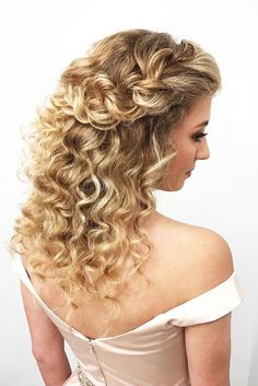 wedding hairstyles retro Wedding Hairstyles For Curly Frizzy Hair Retro - braided curly half updo in 2019 Wedding Hairstyles For Medium Hair, Curly Wedding Hair, French Braid Hairstyles, Retro Hairstyles, Box Braids Hairstyles, Hairstyles Haircuts, Bob Haircuts, Medium Hair Styles, Curly Hair Styles