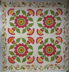Appliqué quilt four-block quilt, Lot 377, Hyde Park Country Auctions, Live Auctioneers