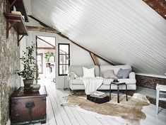 The atmosphere of country living in Swedish townhouse | PUFIK. Beautiful Interiors. Online Magazine