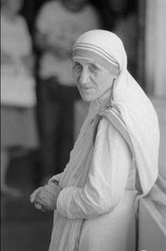 Best Mother Teresa  Spirit And Light Images Blessed Mother Teresa Of Calcutta A Gift Person Essay By Robert Ellsberg