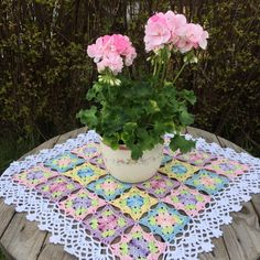 Little wilde flower square – english pattern (Crochet Millan) Crochet Flower Squares, Granny Square Crochet Pattern, Afghan Crochet Patterns, Crochet Motif, Crochet Doilies, Crochet Flowers, Crochet Hooks, Crochet Granny, Granny Square Häkelanleitung