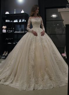 Princess royal off shoulder wedding dress Nuria by Olivia Bo.- Princess royal off shoulder wedding dress Nuria by Olivia Bottega. Princess royal off shoulder wedding dress Nuria by Olivia Off Shoulder Wedding Dress, Wedding Dress Sleeves, Long Sleeve Wedding, Long Wedding Dresses, Princess Wedding Dresses, Bridal Dresses, Dress Wedding, Long Sleeve Quinceanera Dresses, Lace Sleeves