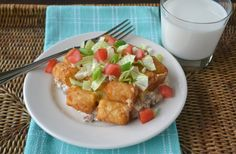 Cheeseburger Tater Tot Casserole from Sunflower Supper Club is my pick for personal favorite at Weekend Potluck at The Country Cook. Tater Tot casseroles are a favorite at our house. Cheeseburger Tater Tot Casserole, Ground Meat Recipes, Quick Meals, Easy Dinners, Supper Club, One Pot Meals, Casserole Dishes, Bacon, Cooking Recipes