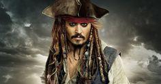 Johnny Depp Dresses As Jack Sparrow In Visit To Children's Hospital Captain Jack Sparrow, Jack Sparrow Meme, Film Fantastic, Fantastic Beasts 2, Saga, Amc Movies, Pirate Face, The Lone Ranger, Black Sails