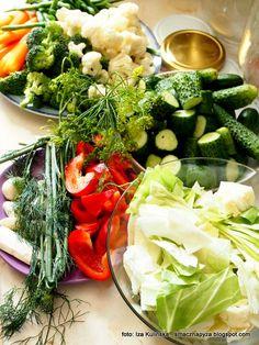 warzywa_do_kiszenia Cobb Salad, Food And Drink, Creepy, Recipes, Diet, Essen, Recipies, Ripped Recipes, Cooking Recipes