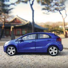 #이색적인 #드라이브 를 원한다면 #기아자동차 #프라이드 #다이캐스트 와 함께 하세요!  If you want to #experience some #special #drive , go #with #KIA_motors #PRIDE ( #Rio ) #diecast  #blue_car #winter #south_korea #daily_driving #daily #my_car #기아차 #차데이트 #커플여행 #가족여행 #운전 #힐링 #이색데이트 #차추천 #자동차그램 #차스타그램 #소소잼