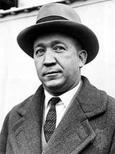 Knute Rockne is the best coach to ever coach at Notre Dame. He coached Notre  Dame to 5 undefeated seasons. He won 6 National Champions. c2bbbb13b