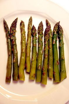 Sous vide asparagus with garlic and rosemary