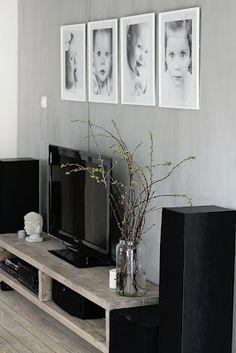 TV-stue med jentegalleri | fruFLY © Inspiration. Photo. Life.