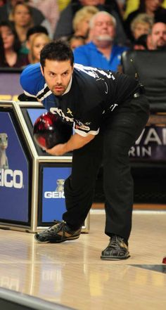 Jason Belmonte, I absolutely love this bowler. Amazing technique!!
