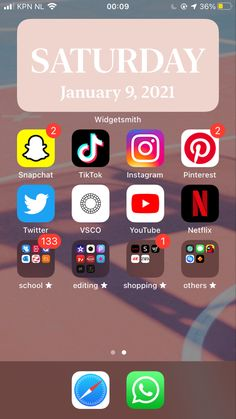 Roblox Pictures, Homescreen, Snapchat, Ios, Wallpapers, School, Simple, Youtube, Instagram