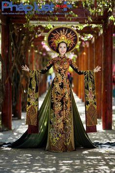 Ngọc Vân sẽ mặc trang phục áo dài truyền thống của Nhà thiết kế Tuấn Hải tại cuộc thi Hoa hậu các quốc gia 2015 tại Nam Kinh, Trung Quốc. Ảnh: Hạo Nhiên