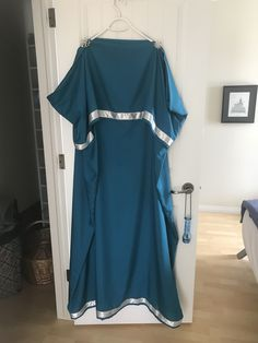 Greek Peplos Roman Costumes, Medieval, Greek, Cover Up, Cold Shoulder Dress, Dresses, Fashion, Vestidos, Moda