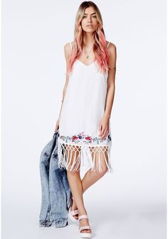 Shake it all the way to the beach this in this super sassy fringed piece. The casual cami slip style and boho cool fringing make this a festival necessity. Style with a pair of flatforms, plenty of accessories and a floppy hat for walk. Cute Cheap Dresses, Casual Dresses, Mini Dresses, Fashion Dresses, Summer Dresses, Fringe Fashion, Fashion Advice, Dress To Impress, Street Style