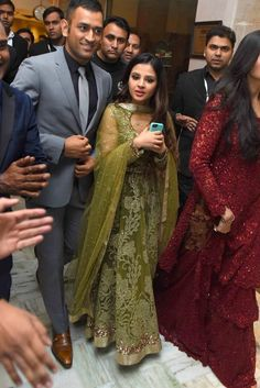 Yuvraj Singh And Hazel Keech Had A Grand Wedding Reception; Here Are Photos Stylish Mens Outfits, Casual Outfits, Cricket Dress, Pattu Sarees Wedding, Ms Dhoni Wallpapers, Ms Dhoni Photos, Cute Kids Pics, Wedding Saree Collection, Indian Sarees