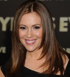 Alyssa Milano: Reported that she has had no trouble breastfeeding her son, Milo. Alyssa Milano: Re Party Hairstyles For Long Hair, Long Face Hairstyles, Trendy Hairstyles, Bob Hairstyles, Straight Hairstyles, Beautiful Hairstyles, Braided Hairstyles, Celebrity Long Hair, Celebrity Haircuts