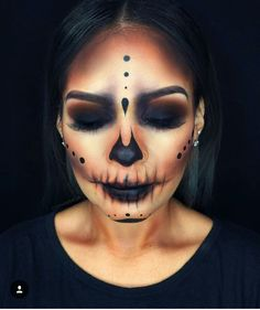 Halloween Beauty: Nobody steals the show with these looks – Halloween Make Up Ideas Looks Halloween, Creepy Halloween Makeup, Halloween Skeletons, Easy Halloween, Halloween 2018, Halloween Costumes, Creepy Makeup, Simple Halloween Makeup, Easy Skeleton Makeup