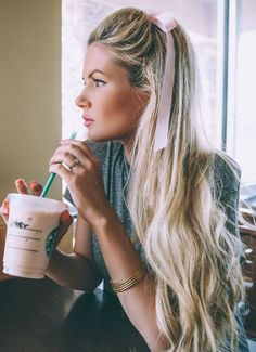 7 Day Hair Diary - Barefoot Blonde by Amber Fillerup Clark