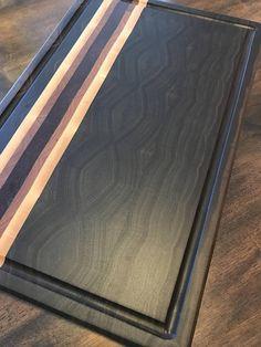 """The """"Vandenakker"""" Walnut endgrain cutting board Large Cutting Board, End Grain Cutting Board, Wood Cutting Boards, Fine Woodworking, Woodworking Projects, Woodworking Apron, Woodworking Workshop, Carving Board, Wood Crafts"""