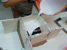 Proceso de fabricación de un molde de yeso para cerámica de tres taceles realizado en el IMCA durante este año bajo la dirección de la profe... Ceramic Pottery, Pottery Art, Ceramic Art, Plaster Art, Plaster Molds, Paper Mache Clay, Resin Sculpture, Clay Bowl, Ceramic Techniques