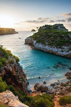 If you could go anywhere in the world, where would you go? Mallorca, Spain, perhaps? #travel