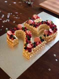 25 number cake for a wedding anniversary 🍓🎂 Happy Bday Cake, 25th Birthday Cakes, 25th Birthday Parties, Bithday Cake, 25th Wedding Anniversary Quotes, Happy Anniversary Cakes, Anniversary Decorations, Aniversary Cakes, Number Cakes