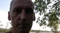 """Dr. Gerhard Kaucic (08-2011),  am Ufer des FKK-Strandes der Neuen Donau liegend arbeitend als Philosophische Praxis zu Psychoanalyse und (#Homo-) #Sexualität; #Ödipus und #Antiödipus (#Deleuze/Guattari); #Freiheit Raumerkenntnis #Demokratie Sexualität Bewegung #Lust; #Sexualpolitik Pädagogik Erkenntnis #Singularität I#ndividualität Demokratie (vgl. J. #Rancière: """"Der Hass der Demokratie"""", #Berlin 2011); Homo, Gerhard, Berlin, Mathematical Analysis, Not Interested, Theory, Liberty, Thoughts, Life"""